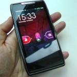 Motorola Razr screens