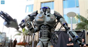 robot gigante Wired Mech