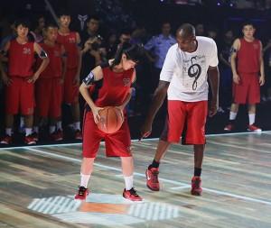 nike_LED_basketball_court_03